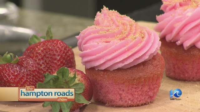 In The Kitchen: Strawberry Cheesecake Cupcakes