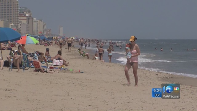 Tourists pack Oceanfront for Memorial Day weekend