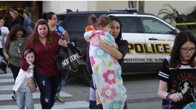 1 person dead, 5 wounded in shooting at San Antonio mall
