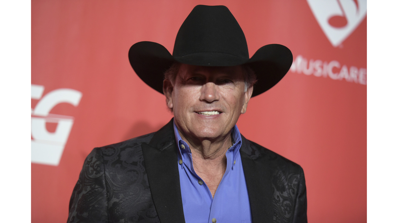 George strait joins texas governor in harvey battered town m4hsunfo