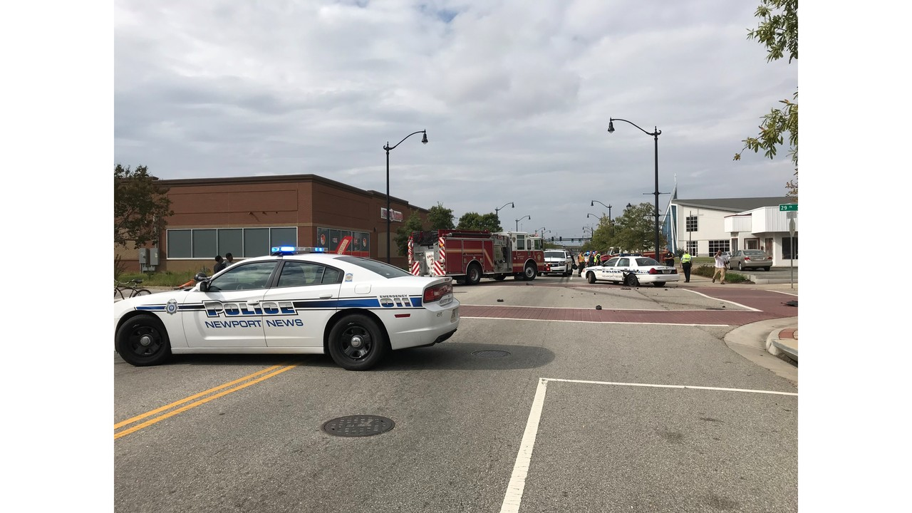 2 hurt, including newport news officer, in multi-vehicle accident