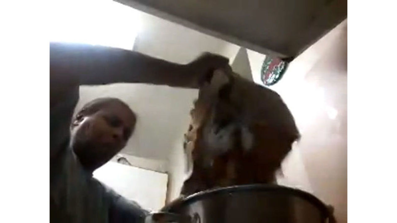Viral Video  Virginia woman learns how to steam crabs 654965ee02