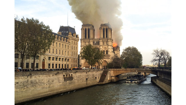 France Notre Dame Fire_1555352594124