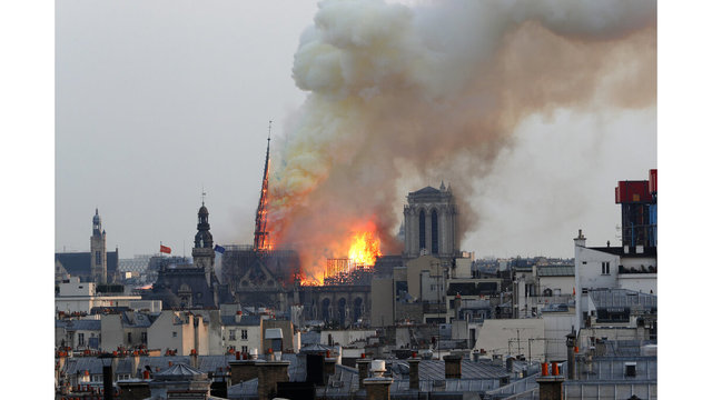 France Notre Dame Fire_1555352599339